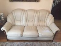Italian 3 seater leather sofa in excellent condition