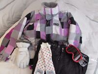 Girl's age 9/10 all inclusive Skiwear set (trousers, jacket, goggles, socks, and gloves)