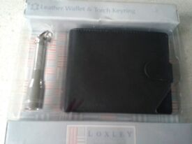 Giftset with a Black leather wallet and mini torch keyring