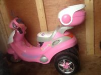 Kids scooter rechargeable battery powered