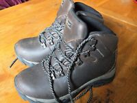 Used boots Size 5