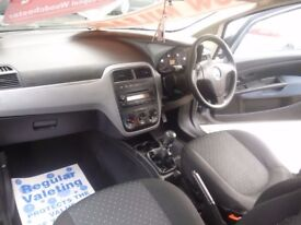 Fiat GRANDE PUNTO Activ,3 door hatchback,1 previous owner,2 keys,low mileage only 33,000 miles