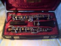 OBOE by SCHREIBER ( SER No 222981 ) In a very nice case and with some reeds .