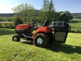 Husqvarna LT 4140G Sit-On Lawn Mower with 4 Wheel Steering - 6 Speed Inc. Reverse - **Reduced Prce**