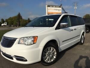 2015 Chrysler Town & Country Limited Limited with NAV and 2x...