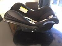 Maxi Cosi cabriofix car seat (+base + liner)