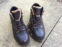 Peter Storm Walking boots Size 7. Only used once