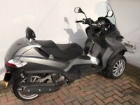 Three-Wheel Scooter - Piaggio MP3 LT400 - Ride with Car Licence only; perfect commuter!
