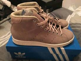 Limited eddition Adidas Stan smiths in size 7