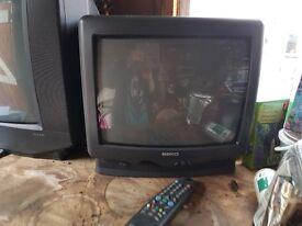 """Retro 14"""" tv"""