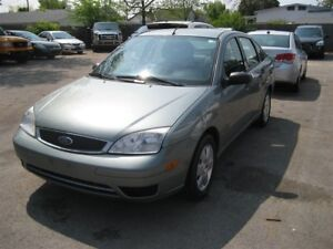 2006 Ford Focus ZX4 SE GREAT ON GAS