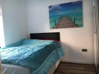 Furnished, clean, large double bedroom to let in Madley Park. Witney.