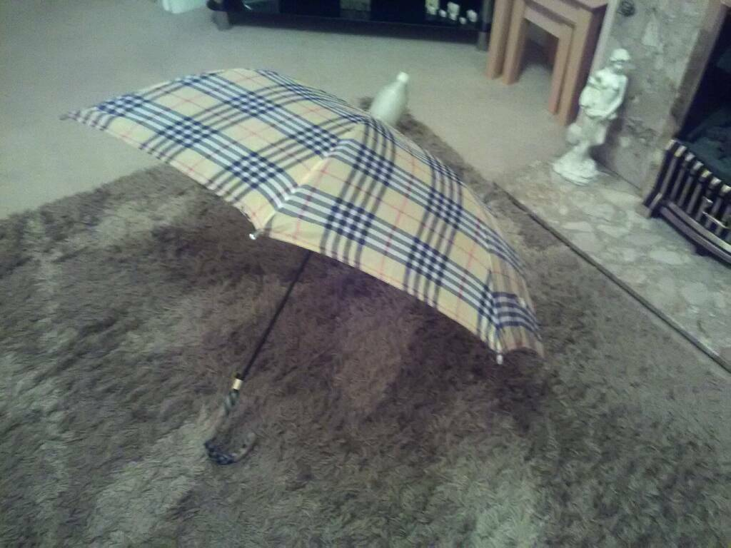 Burberry effect umbrella