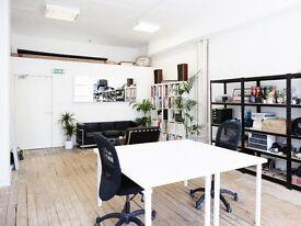 BRIGHT STUDIO DESK OFFICE SPACE IN DE BEAUVOIR, N1