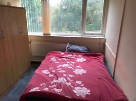 1 Bedroom all bills included in Longsight for £425