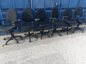 6 x quality black office swivel chairs at just £20 each quick sale