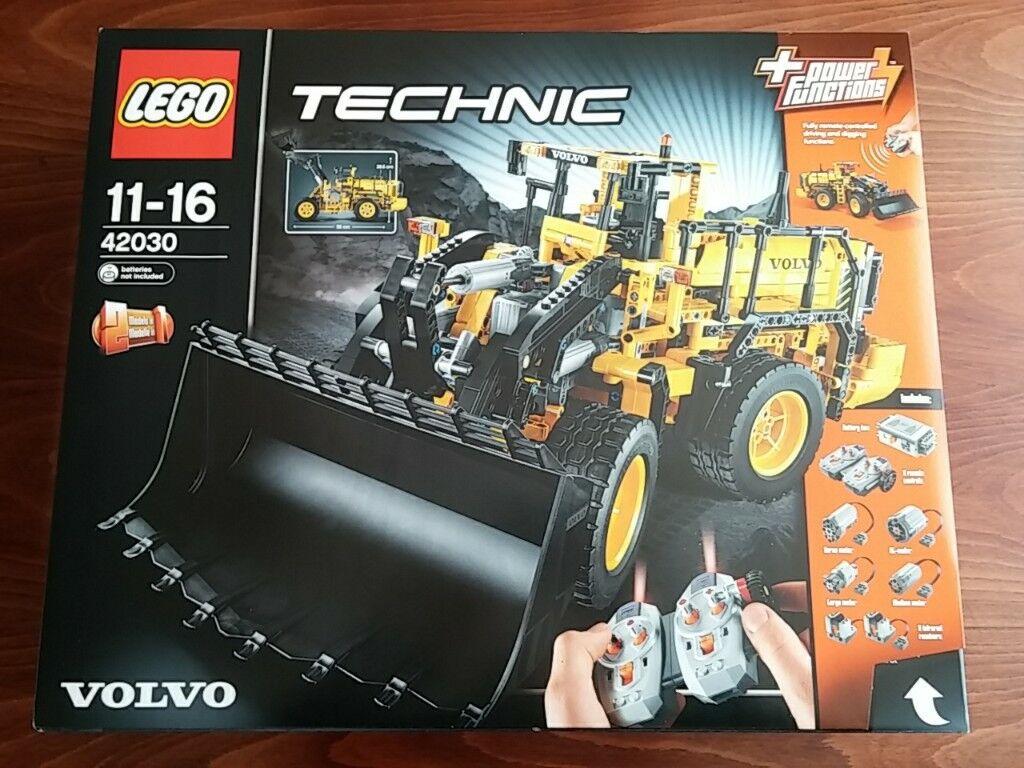LEGO Technic Volvo L350F Wheel Loader (42030)