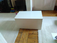 Large Solid Wooden High Quality White Blanket / Storage Box In Very Good Condition