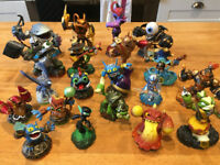 Skylander WiiU game, figures and portal