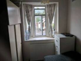 Single room in Morden