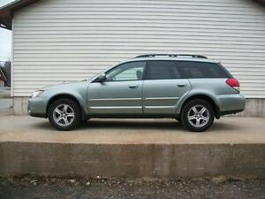 2009 Subaru Outback 5SPEED WITH SUNROOF AND ALL WHEEL DRIVE