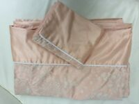 MARKS AND SPENCERS APRICOT SINGLE DUVET AND PILLOWCASE