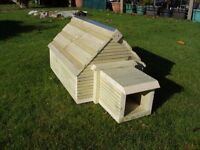 NEW - handmade quality hedgehog house with removable top & tunnel