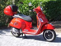 Vespa 300 GTS (2014) - Excellent condition - only 1,500 miles