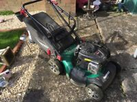 FAULTY QUALCAST PETROL LAWNMOWER FOR SPARES OR REPAIRS LAWN MOWER 46CM