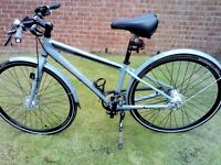 """Trek Soho cycle eight gears belt drive great city bike immaculate condition, 15"""" frame"""