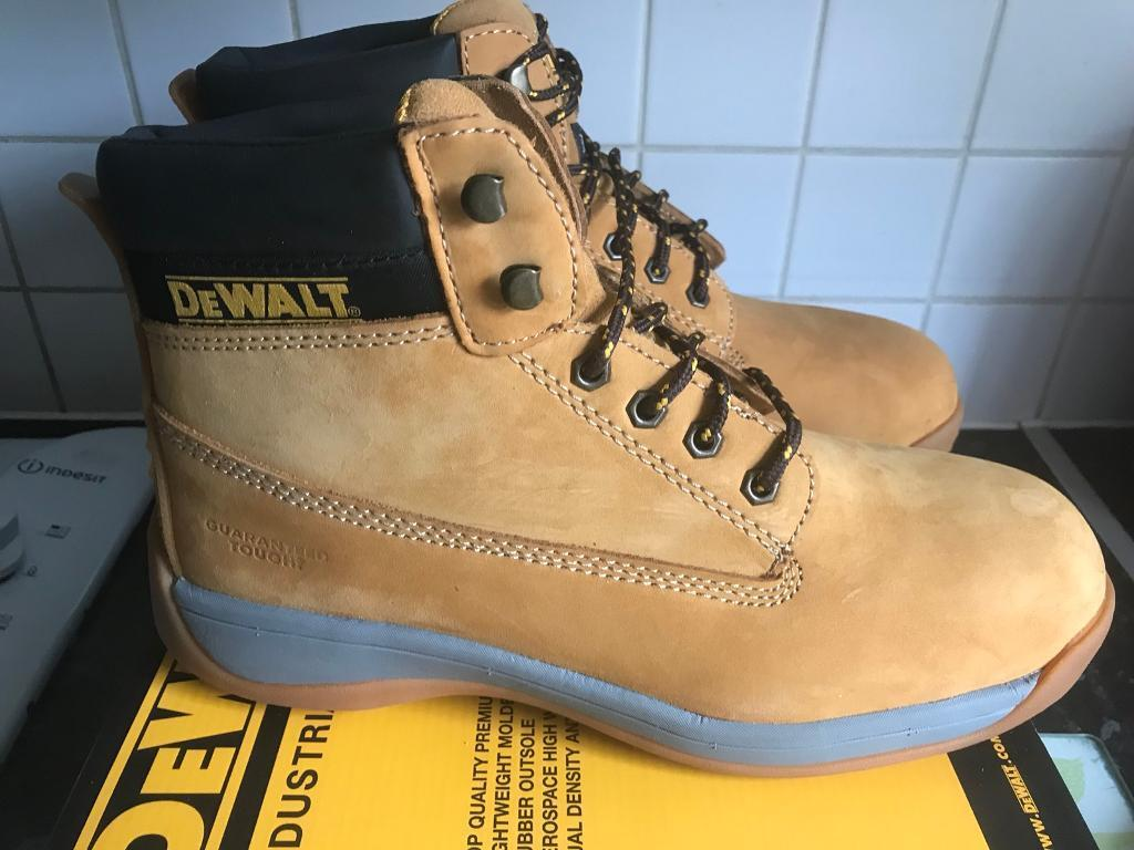 eaf1904864b Men's dewalt apprentice work boots size 10   in Heckmondwike, West  Yorkshire   Gumtree