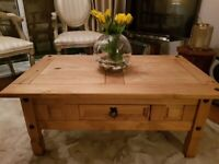 Real wood coffee table - Very good condition