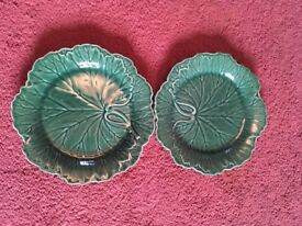 Set of two cabbage leaf plates