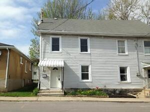 ATTN STUDENTS: 4 BED IN CENTRAL LOCATION! 71 Stanley St