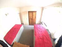 SW15 4EH_NICE SPACIOUS TWIN ROOM + BALCONY