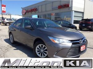 2017 Toyota Camry LE | BACKUP CAMERA | BLUE TOOTH | HEATED MIRRO