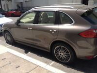 EXCELLENT STUNNING PORSCHE CAYENNE (2012) DIESEL 5DR TIPTRONIC S FOR SALE DIRECTLY FROM THE OWNER