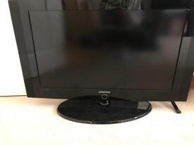 "SAMSUNG 32"" HD LCD TV"