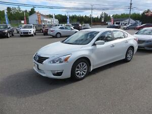 2015 Nissan Altima 2.5 S LOW LOW KMS!!