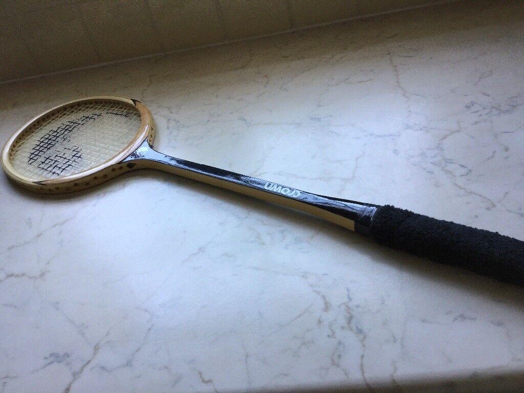 Crown squash racquet