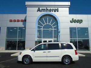 2011 Chrysler Town & Country LMT