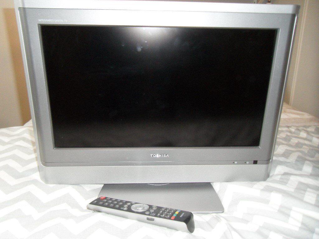 "TOSHIBA 20"" FLAT SCREEN TV - GOOD CONDITION £15!!!"
