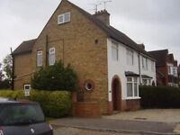 Spacious 3 bedroom house for rent on quiet road. Half a mile from Ashford centre.