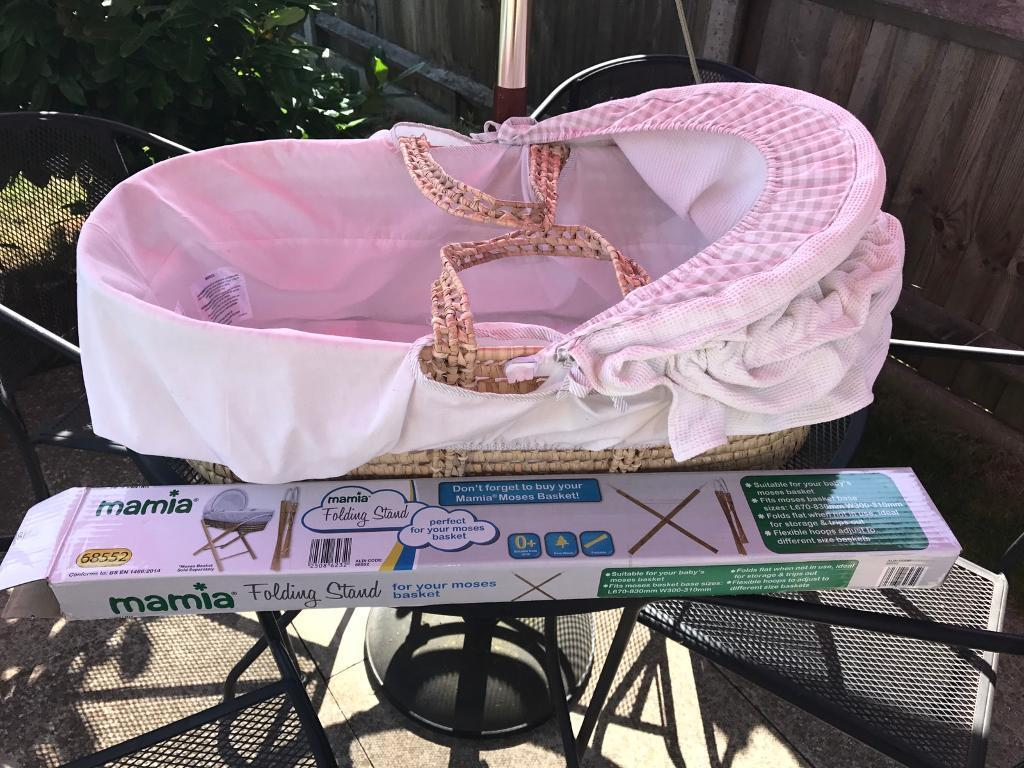 Mamas and papas moses basket vgc with new stand still in box Can deliver