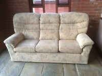 2 piece suite comprising 3 seater settee and armchair