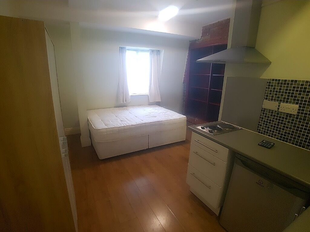 Cute Studio Flat 2 Minute Walk From Wembley Central Station! (Bakerloo Line)