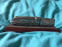 The mallard steam train model ornament. Royal hampshire 16cm long