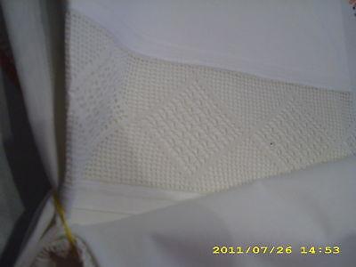 Weißwäsche 2 Paradekissen feine Häkelbordüre Häkeleinsatz Prunkkissen Shabby