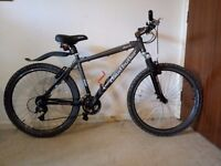 Claud butler Hybrid Bike 18 Frame 26 Wheel 24 Speed