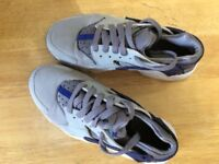 Boys grey huaraches trainers